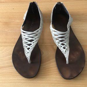 Stylish 6 1/2 size Elizabeth & James cream sandals